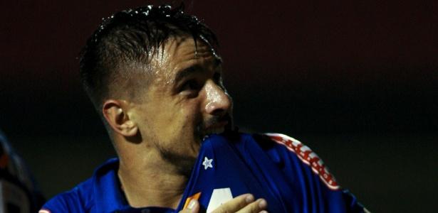 Willian, atacante do Cruzeiro, avalia rodízio de Bento