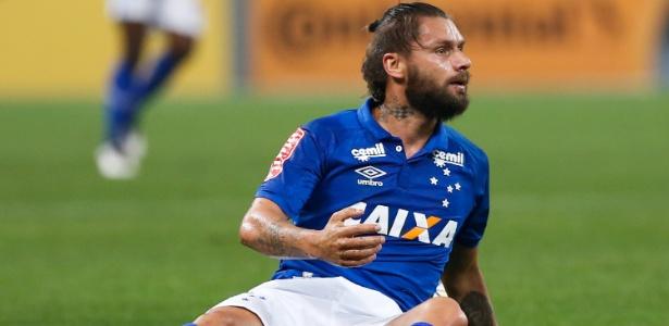 Vice-artilheiro do Cruzeiro no ano, com nove gols, Sóbis é o mais novo lesionado na Toca