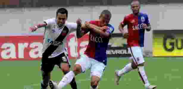 Gol da vitória do Vasco saiu logo após a substituição de Júnior Dutra (foto) - Carlos Gregório Jr/Vasco.com.br