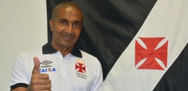 Cristóvão Borges voltou a vestir a camisa do Vasco após quatro temporadas