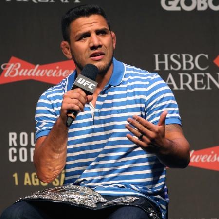 Rafael dos Anjos explicou motivos que o fizeram subir de categoria - Matthew Stockman/Getty Images