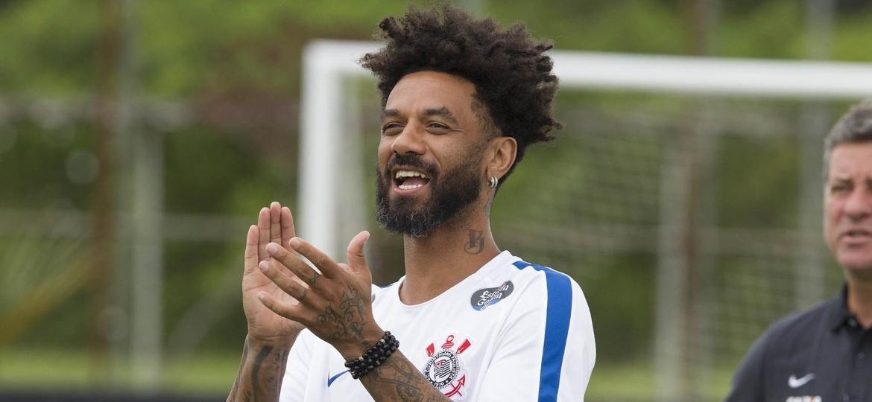 Cristian em treino do Corinthians no começo do ano; volante foi afastado e deve permanecer assim - Daniel Augusto Jr./Ag. Corinthians