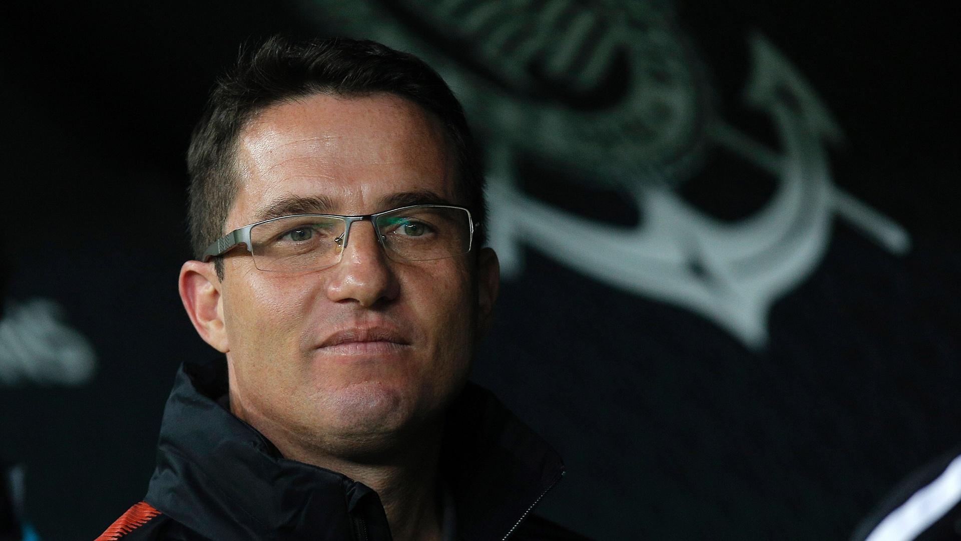 O técnico Osmar Loss durante o jogo entre Corinthians e Vitória