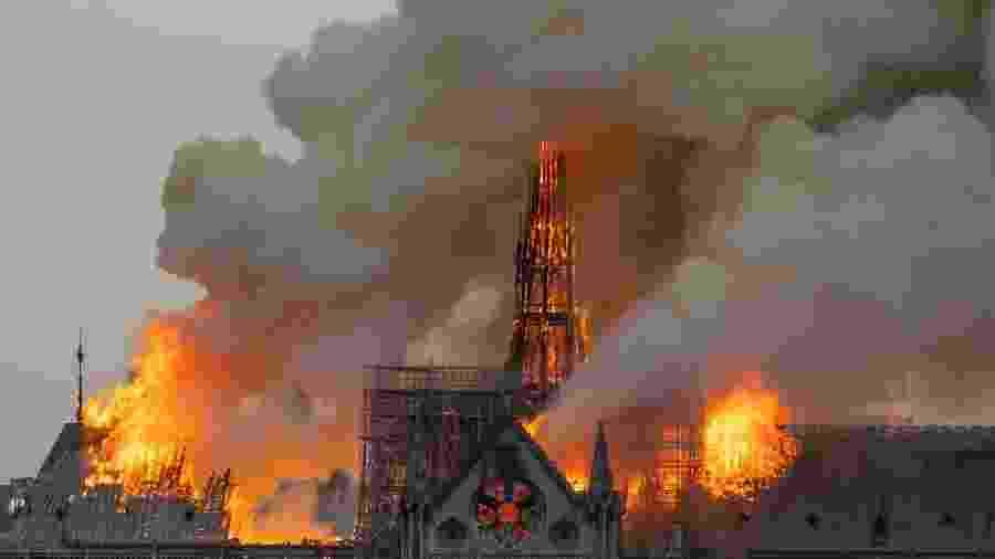 Catedral pegou fogo em abril - Fabien Barrau/AFP