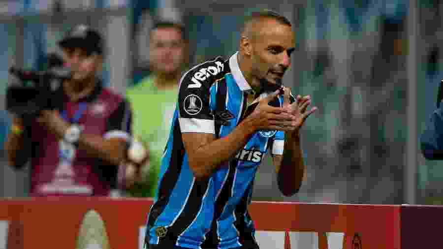 Thaciano deve receber oportunidade desde o início contra o Corinthians neste sábado - Jeferson Guareze/AGIF