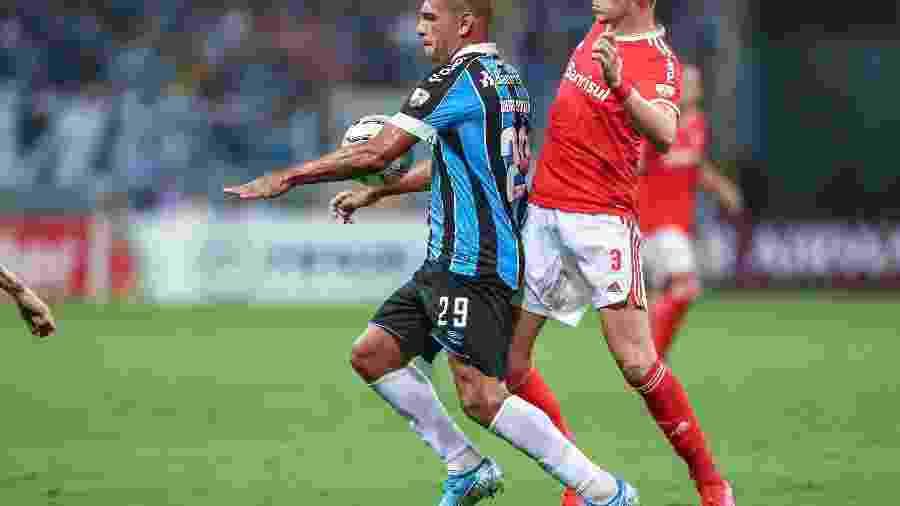 Fotos de: Lucas Uebel/Grêmio FBPA e Ricardo Duarte/SC Internacional