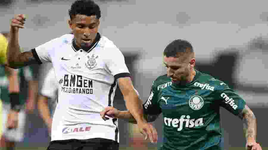 Éderson e Zé Rafael disputam bola durante Corinthians x Palmeiras, na primeira final do Paulistão 2020 - Cesar Greco/SE Palmeiras