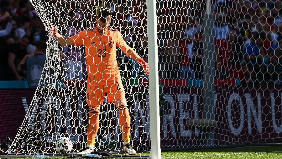 Unai Simón, goleiro da Espanha, protagonizou uma lambança e furou recuo - Martin Rose - UEFA/UEFA via Getty Images