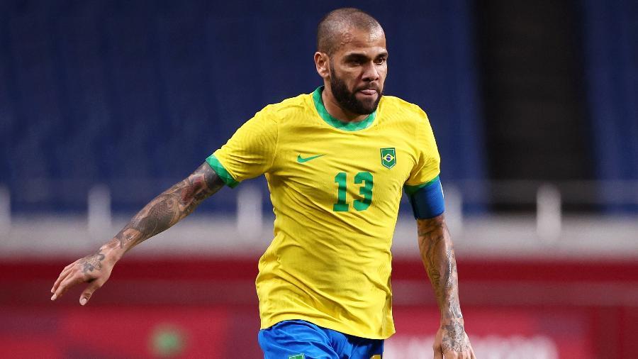 Daniel Alves durante partida da seleção brasileira olímpica contra o Egito; ele atuou nos quatro jogos até o fim - Buda Mendes/Getty Images
