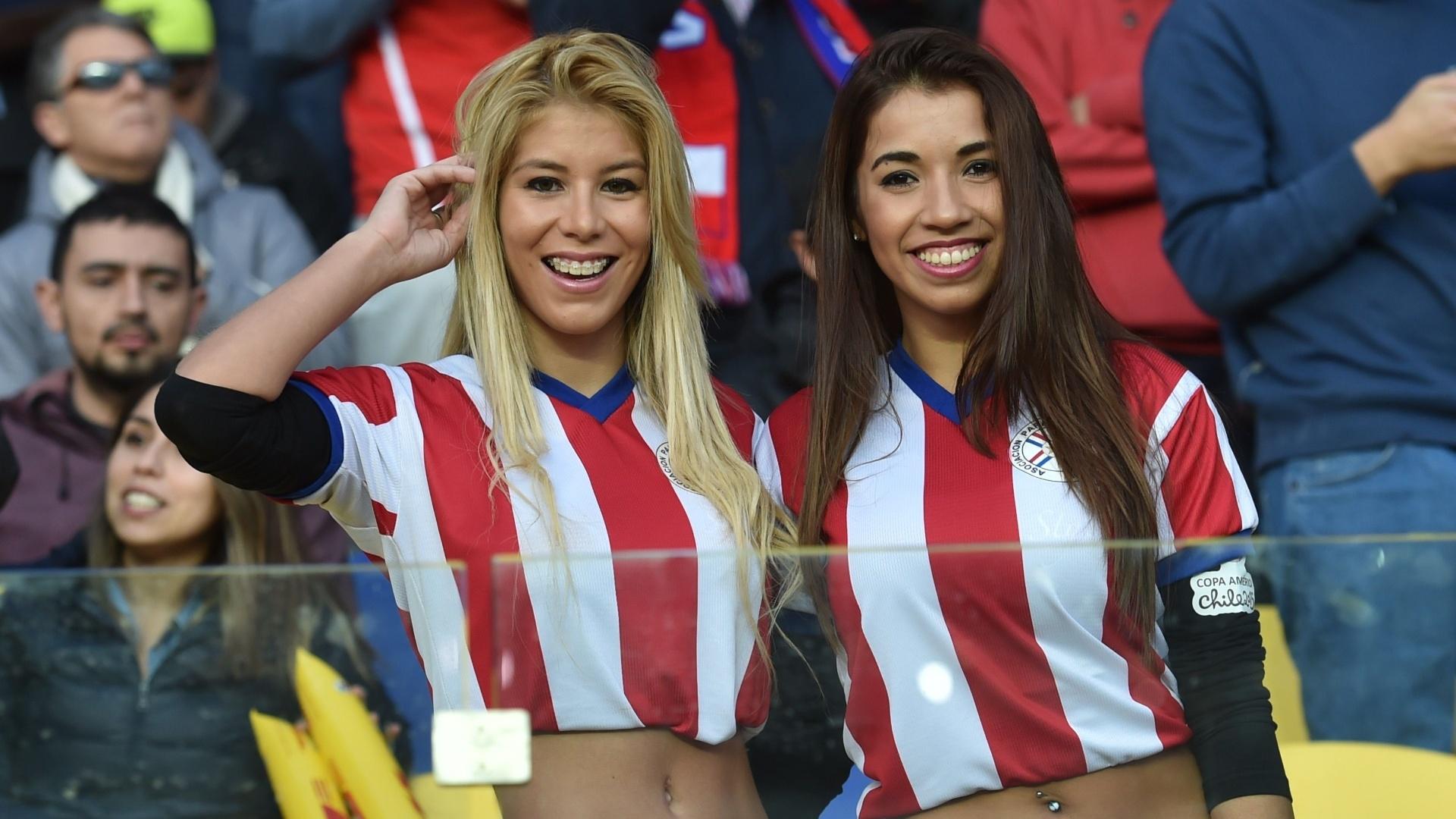 Torcedoras paraguaias em Concepción durante as quartas de final da Copa América