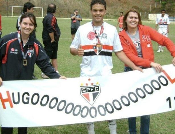Hugo Leonardo comemora um dos títulos na carreira da base no São Paulo