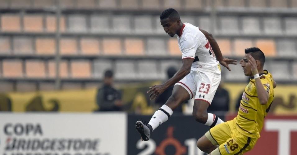 Thiago Mendes finaliza para o São Paulo contra o Trujillanos na Libertadores