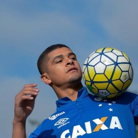 Volante Denilson defendeu as cores do Cruzeiro em 2016 - Washington Alves/Light Press/Cruzeiro