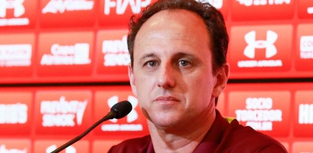 O técnico Rogério Ceni quer fazer testes antes da Florida Cup