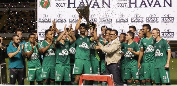 Vencedora do segundo turno de SC, Chape levou a Taça Sandro Pallaoro