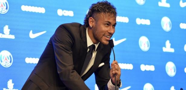 Santos deve receber 4% do valor total da transferência de Neymar ao PSG, da França