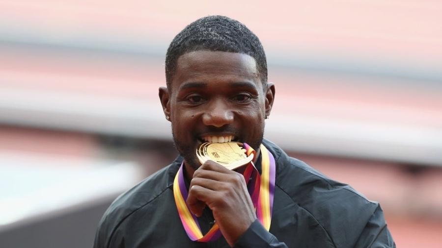 Justin Gatlin comemora a conquista do ouro nos 100m rasos no Mundial de Atletismo - Alexander Hassenstein/Getty Images
