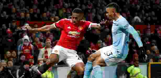 Gabriel Jesus em jogada durante o clássico do último domingo, contra o United - Darren Staples/Reuters - Darren Staples/Reuters