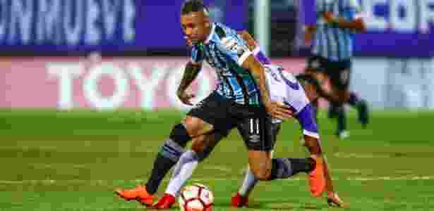 O meia Everton em lance da partida entre Defensor e Grêmio, pela Libertadores - Lucas Uebel/Grêmio FBPA