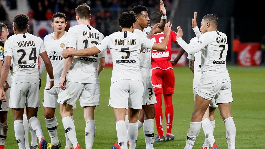 Jogadores do PSG comemoram gol diante do Dijon pelo Campeonato Francês 2018/2019 - Emmanuel Foudrot/Reuters