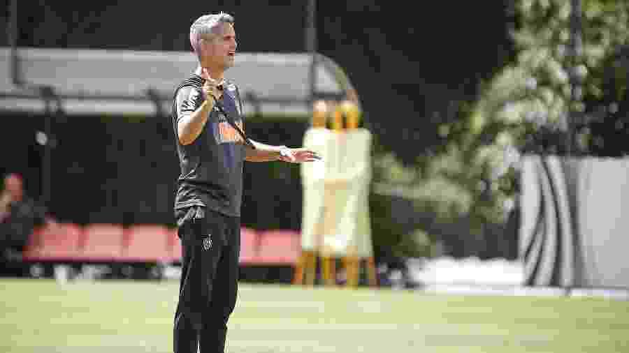 Rodrigo Santana, técnico interino do Atlético-MG, ganha mais tempo à frente do elenco - Bruno Cantini/Divulgação/Atlético-MG
