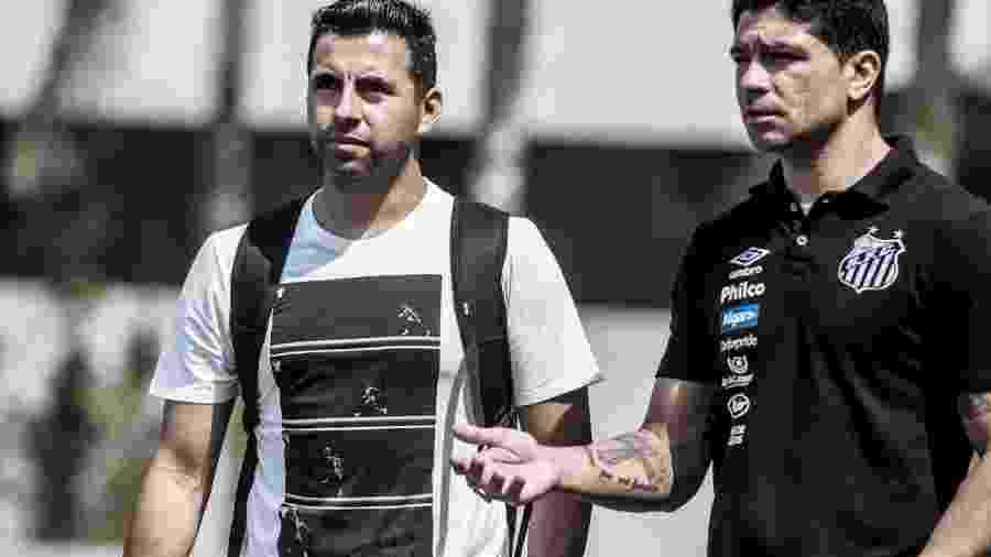 Maldonado, ex-volante chileno, faz estágio com Sampaoli no Santos - Ivan Storti/Santos FC