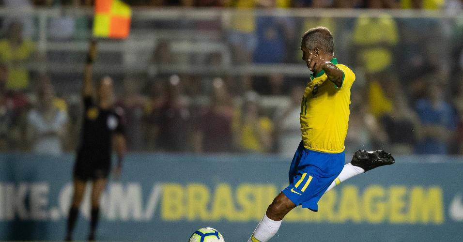 Romário teve gol anulado ainda no primeiro tempo do duelo festivo em Fortaleza