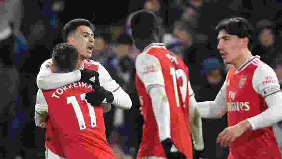 A equipe do Arsenal retornaria aos treinos amanhã - Mike Hewitt/Getty Images