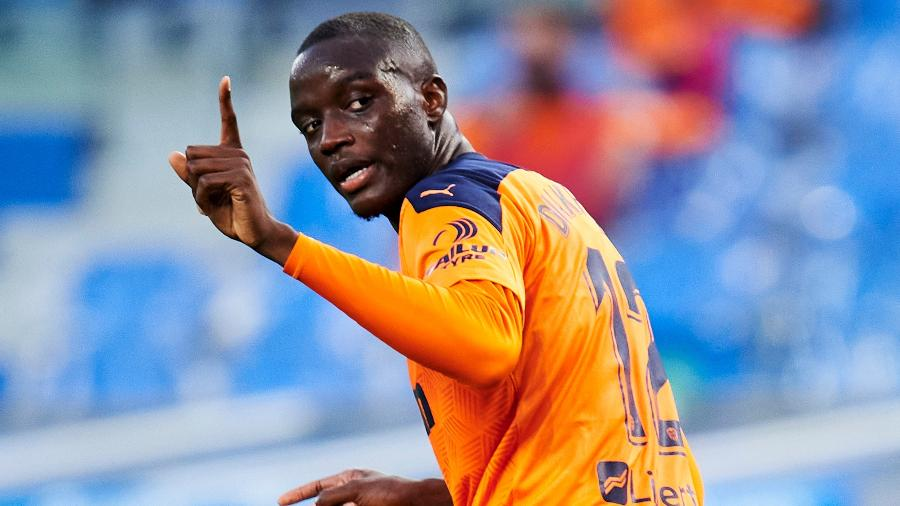 Mouctar Diakhaby é formado nas categorias de base do Lyon e atua no Valencia desde 2018 - Juan Manuel Serrano Arce/Getty Images