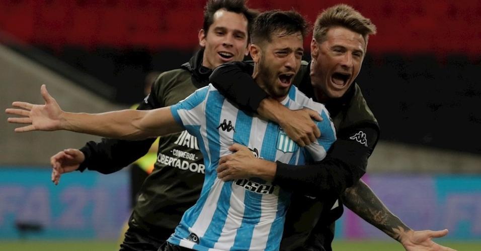 Domínguez, do Racing, celebra gol que eliminou o Flamengo da Libertadores