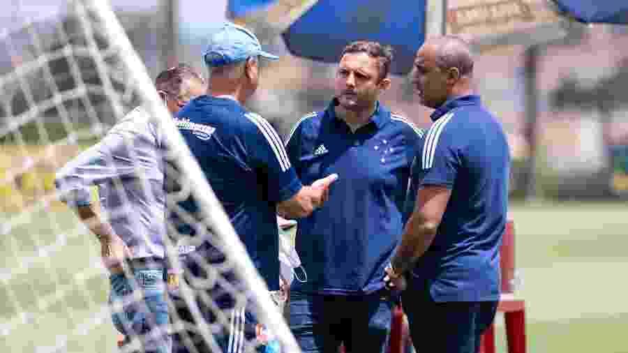 André Mazzuco e Felipão estiveram juntos pela primeira vez no último domingo, durante treino na Toca da Raposa II - Bruno Haddad/Cruzeiro