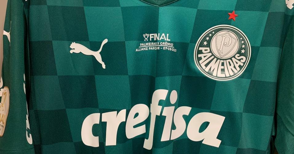 Camisa do Palmeiras customizada com detalhes referentes à final da Copa do Brasil 2020