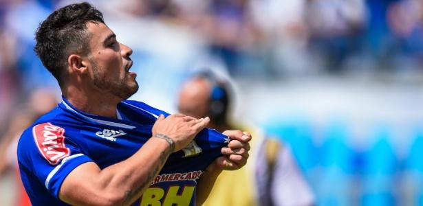 Vinícius Araújo quer chamar a atenção de Dunga por vaga na seleção olímpica na Rio-16 - Fred Magno/Light Press/Cruzeiro