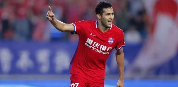 Encantado com a China, Kardec não fecha portas para clubes brasileiros