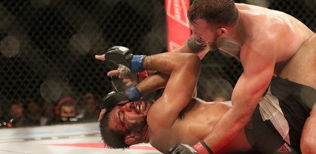 Minotouro foi amassado por três rounds no UFC SP - Cleber Yamaguchi/Ag. Fight