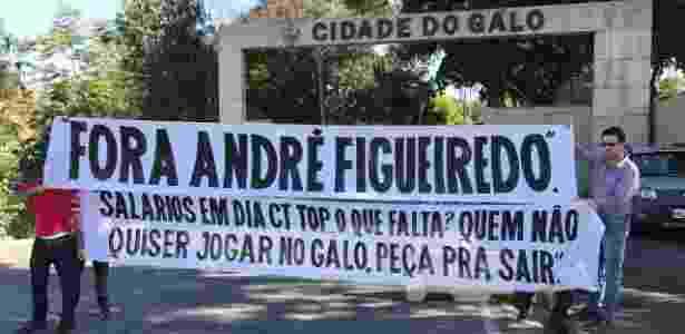 Faixa na Cidade do Galo - Victor Martins/UOL Esporte - Victor Martins/UOL Esporte