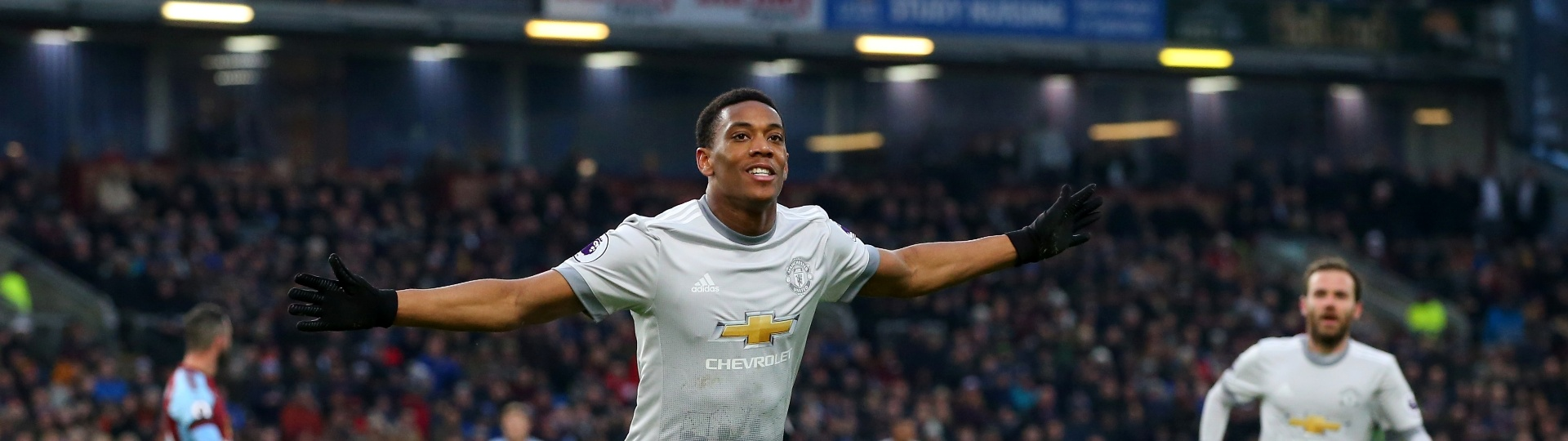 Martial comemora gol do United contra o Burnley