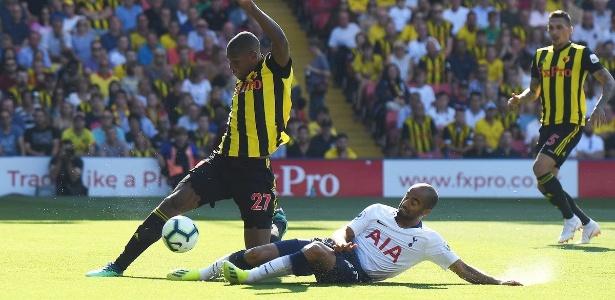 """Lucas em ação pelo Tottenham; apoio a Bolsonaro foi polêmido e rendeu """"blindagem"""" - Reprodução/Twitter Tottenham"""