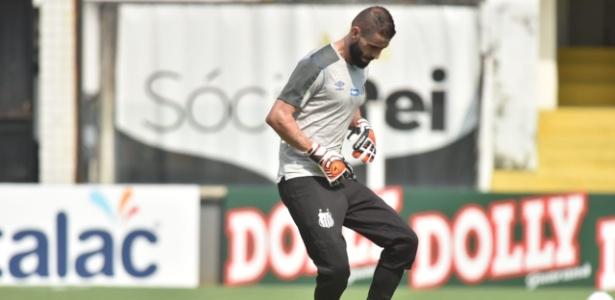 Vanderlei, goleiro do Santos, em ação contra a Ferroviária - Ivan Storti/SantosFC