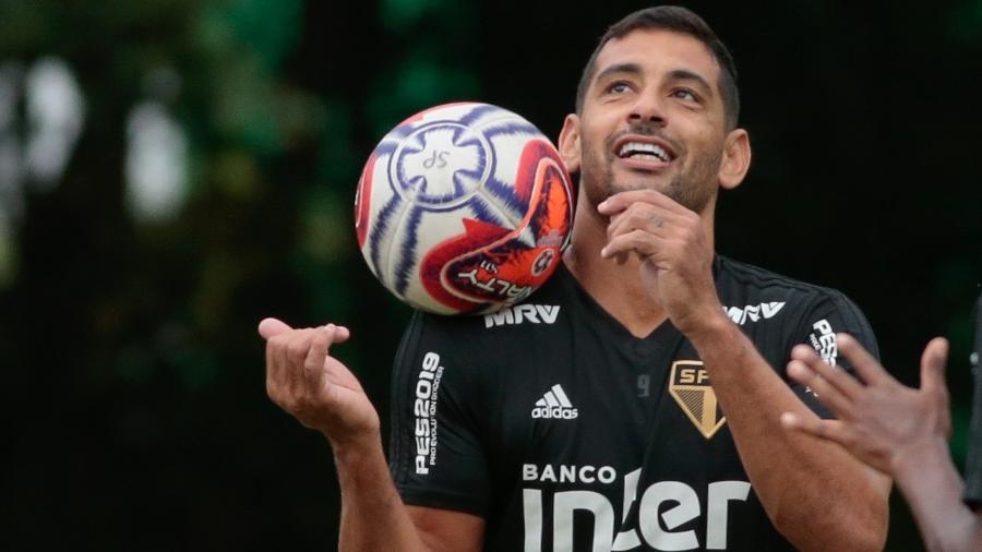 Diego Souza tem acerto com o Botafogo, mas São Paulo promete fazer jogo duro - Marcello Zambrana/AGIF