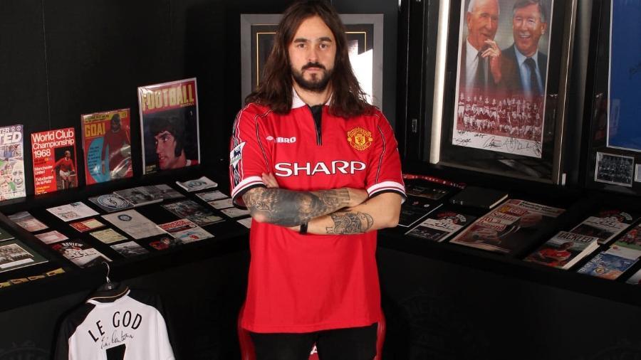 Finlandês Jere Virtanen criou museu e bar com mais de 33 mil itens relacionados ao Manchester United - Acervo pessoal