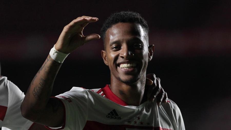Polivalência de Tchê Tchê é característica admirada por Cuca, que está perto de treinar o jogador em três clubes diferentes - Rubens Chiri/São Paulo