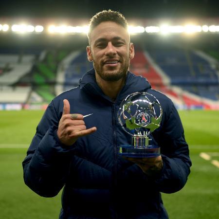 Neymar foi eleito o melhor em campo contra o  Bayern - Alexander Scheuber - UEFA/UEFA via Getty Images