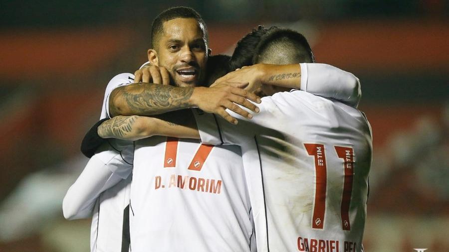 Jogadores do Vasco celebram gol sobre o Brasil de Pelotas - Rafael Ribeiro/Vasco