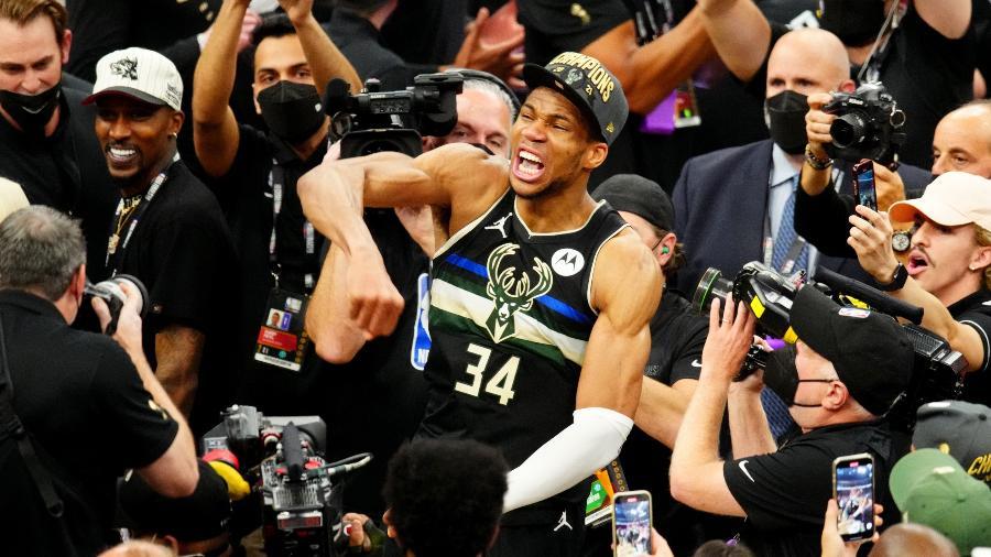 Giannis Antetokounmpo comemora título do Milwaukee Bucks na NBA - Mark J. Rebilas-USA TODAY Sport