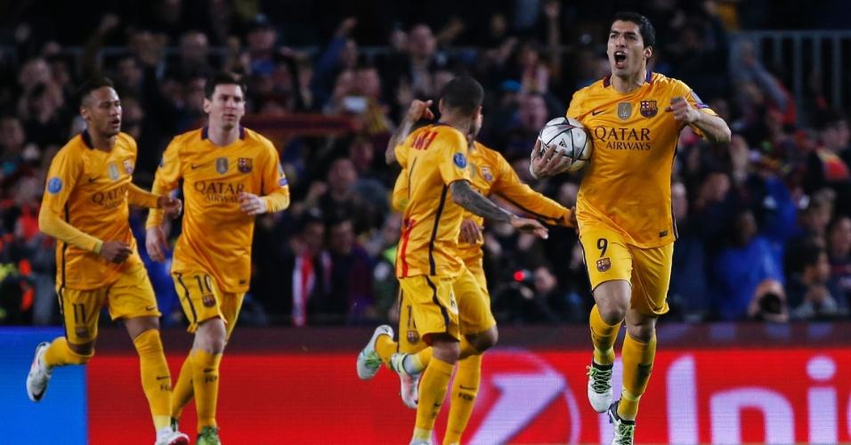 Suárez comemora após marcar o gol de empate do Barcelona contra o Atlético de Madri pela Liga dos Campeões
