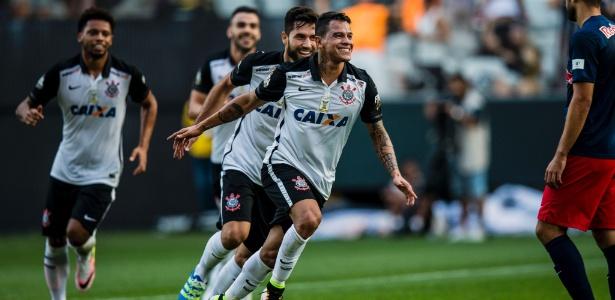 Giovanni Augusto briga por vaga no time titular para clássico contra o São Paulo