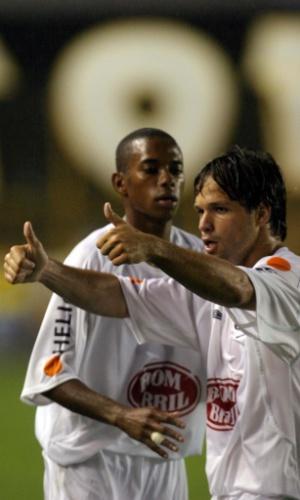 Diego e Robinho juntos no Santos, em 2004, na Vila Belmiro