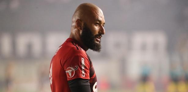 O goleiro Alex Muralha vive momento conturbado no Flamengo às vésperas de decisões