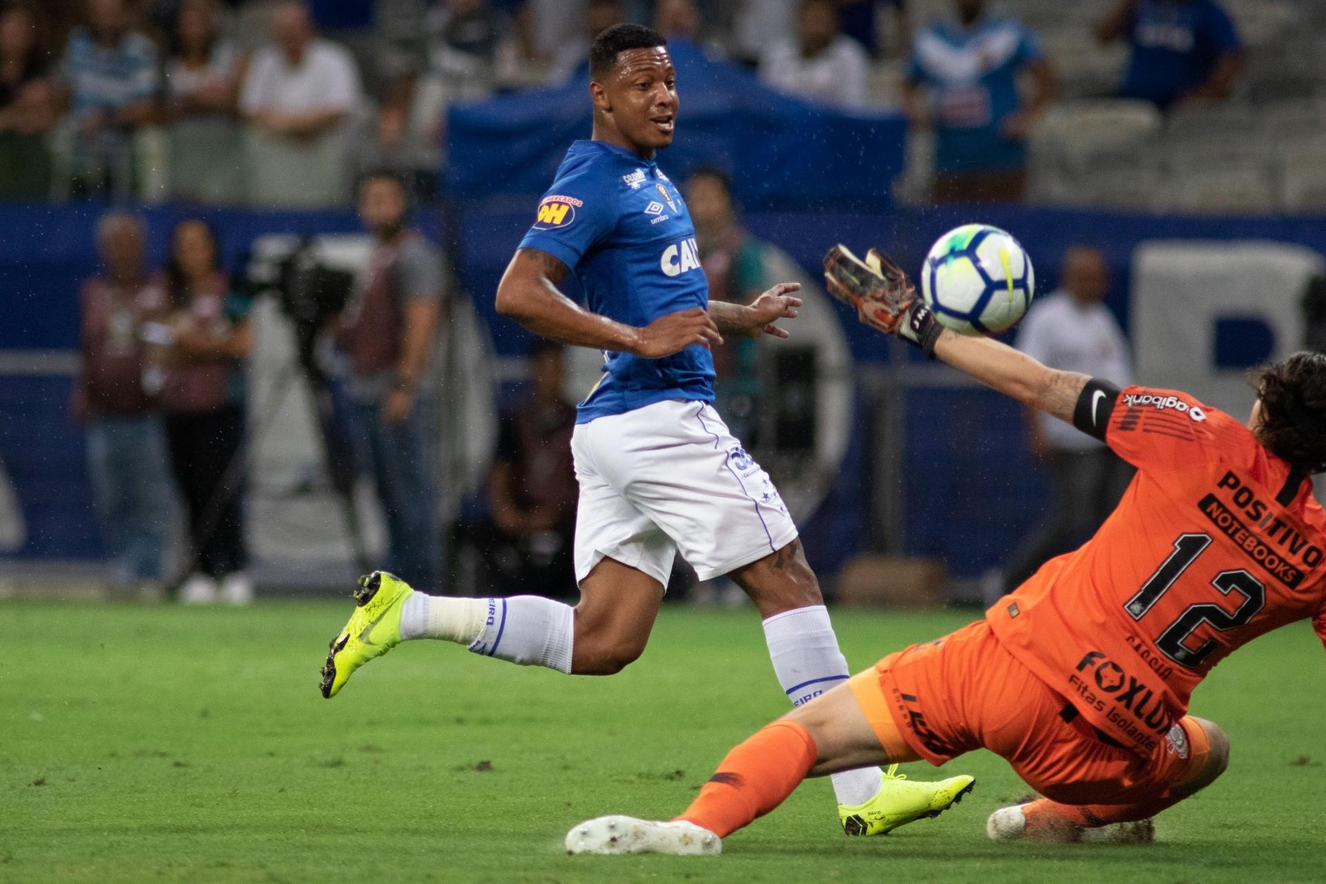 Reforço mais caro busca sequência em campo para mostrar valor no Cruzeiro -  20 11 2018 - UOL Esporte 6be498df4aefe